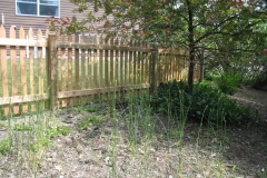 Standard Point Picket Fence